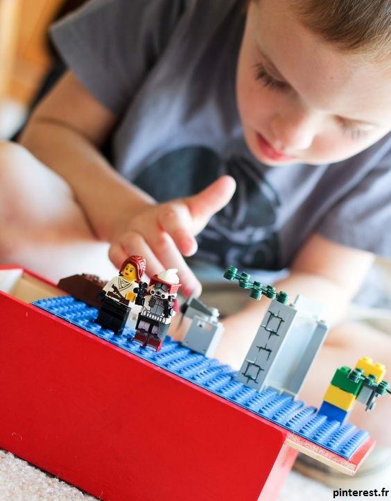 faire très attention aux jouets et objets en plastiques dans la chambre de votre enfant