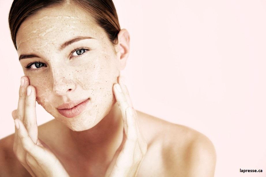 ne vous exfoliez surtout pas la peau quand vous avez la peau sèche