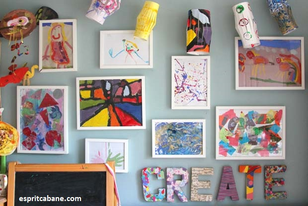 encadrez les peintures de vos enfants dans leurs chambres