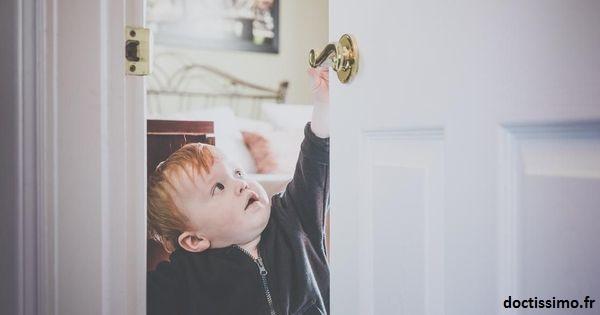 Plus l'enfant grandit, plus il faut faire attention a bien sécurisé sa chambre