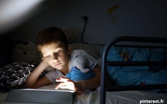Les écrans nuit au sommeil des enfants